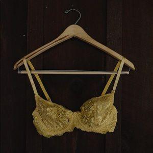 Lacey bra